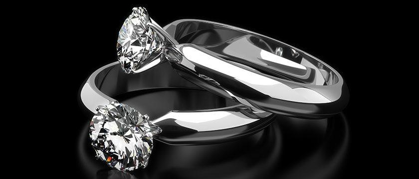 Joya con diamante cultivado